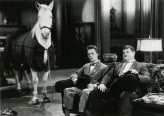 Laurel-and-Hardy-500x366